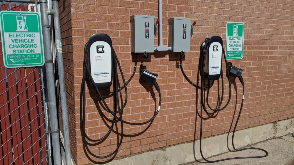Charge Your Electric Vehicle at Montessori School