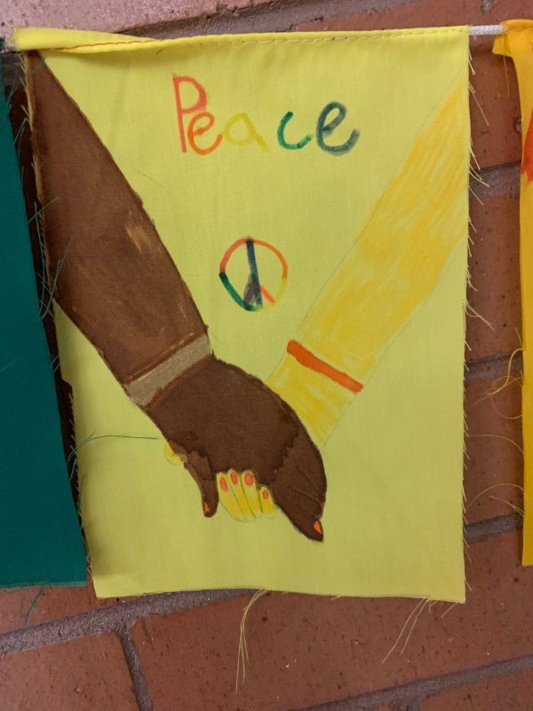peace-hands